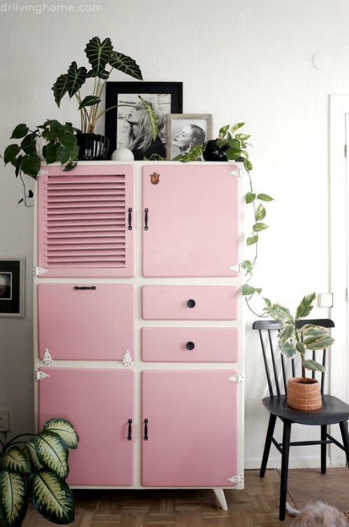 C mo usar muebles de recibidor vintage forja blog - Como reciclar muebles viejos ...