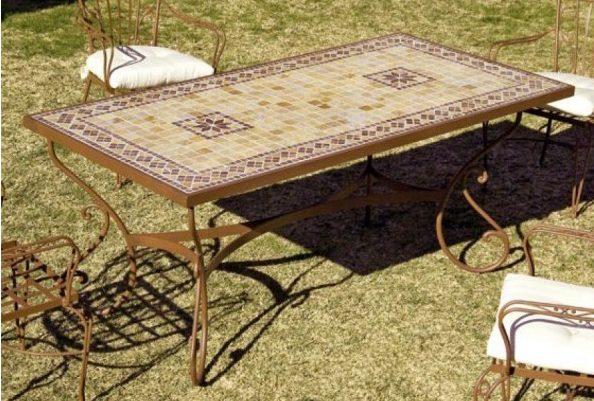 ideas para decorar terrazas - Mesa de jardín Marbella